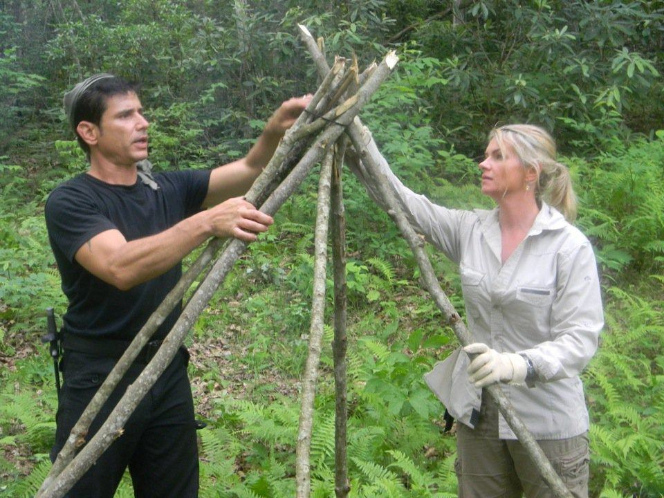 Teepee building with 550, pic courtesy Discovery Channel