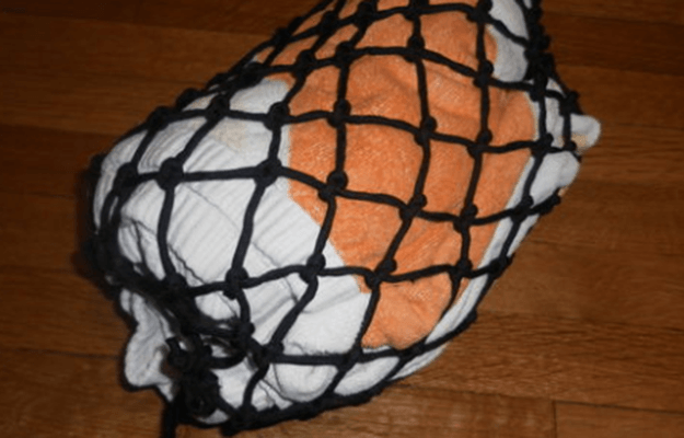 Paracord Drawstring Bag | 36 Awesome Paracord Projects For Preppers