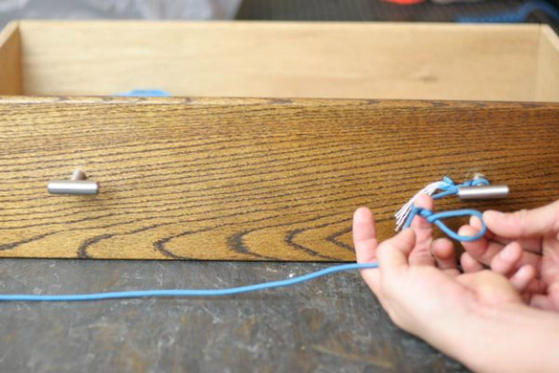 Twist the Loop Three to Four Times   Paracord Knots and Hitches   How To Make Paracord Hitches   paracord lanyard knots