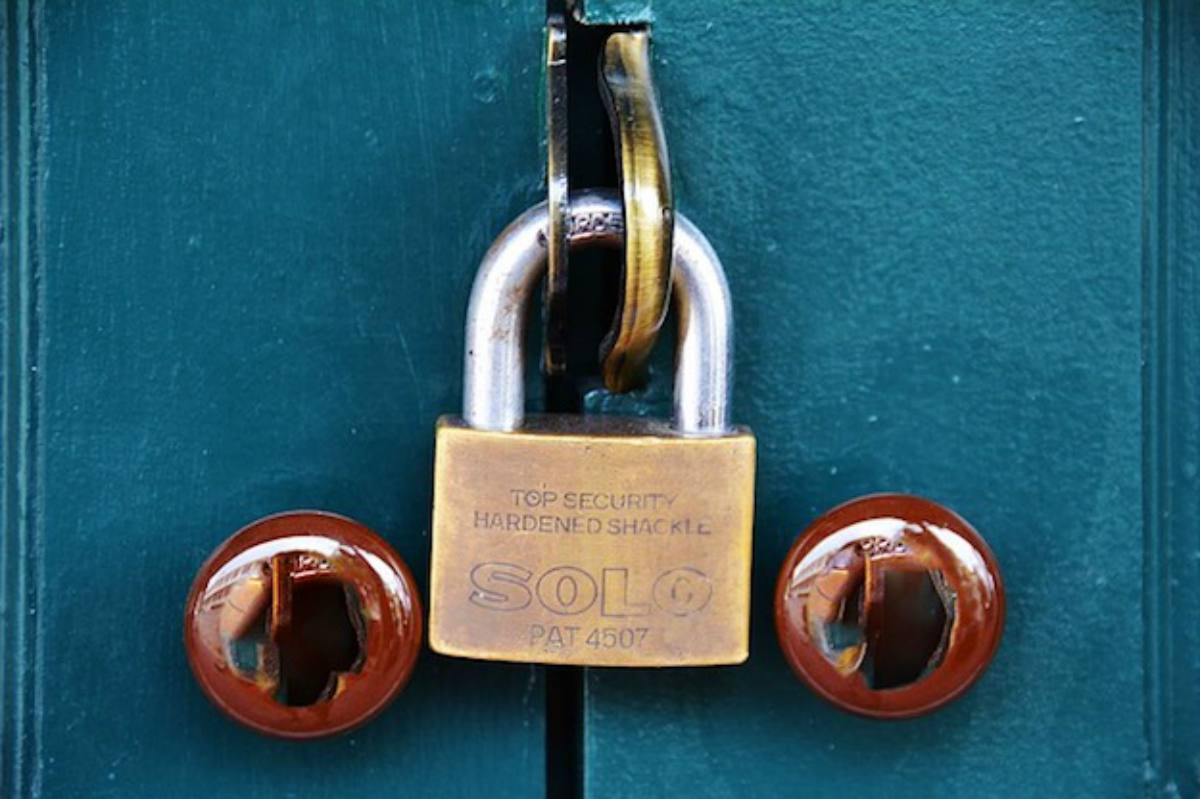 Door Padlock | Power Outage: What To Do When The Power Goes Out